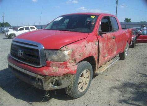 wrecked trucks  sale insurance salvage auction trucks