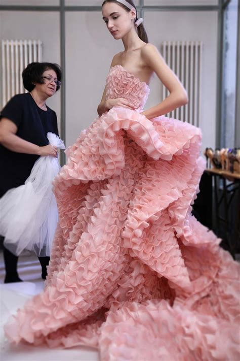 making  ralph russo couture ss   scenes