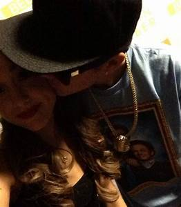 Ariana Grande Posts Photo Of Justin Bieber Kissing Her