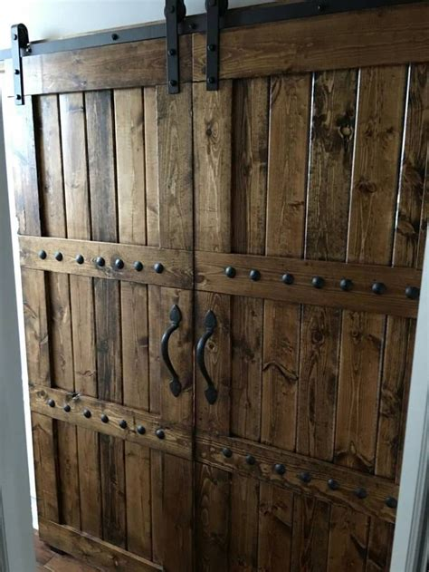 rustic barn doors de 25 bedste id 233 er inden for rustic doors p 229