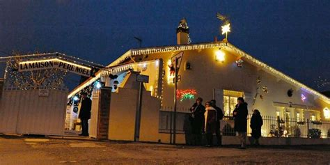 maison du pere noel carbon blanc une tradition lumineuse qui ne passe pas inaper 231 ue sud ouest fr