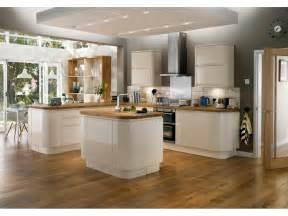 ezy creme deco i love pinterest cuisine ouverte ma With meuble bar pour cuisine ouverte 0 la cuisine en u avec bar voyez les derniares tendances