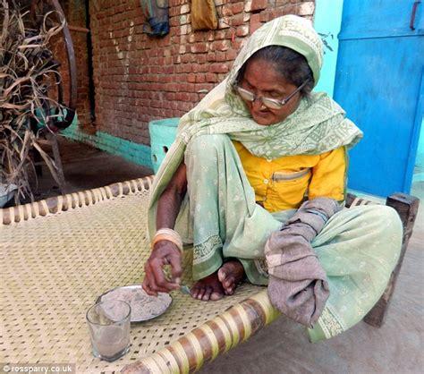 indian woman  eats  kilogram  sand  day