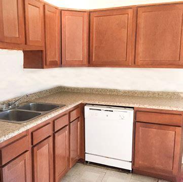 inexpensive kitchen cabinets kwik kitchens 1852
