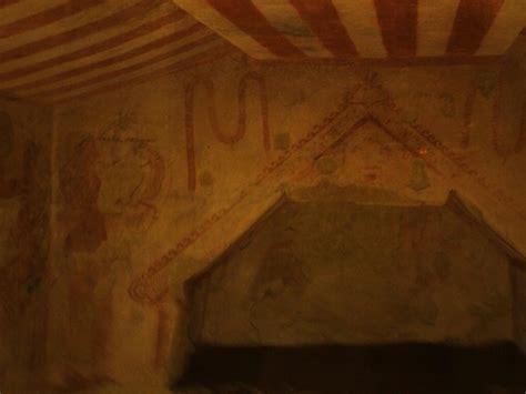 tenture plafond chambre la nécropole de tarquinia site du collège martial