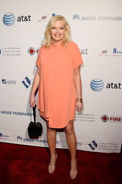 Melissa Peterman Looks   StyleBistro