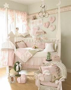 decoration chambre bebe fille 99 idees photos et astuces With chambre bébé design avec ou acheter le champ de fleurs