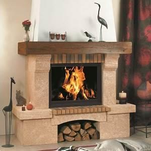 Cheminée à Bois : chemin e poutre en bois julia chemin e traditionnelle ~ Premium-room.com Idées de Décoration
