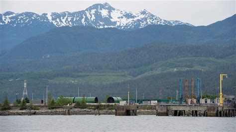federal government approves northern gateway pipeline