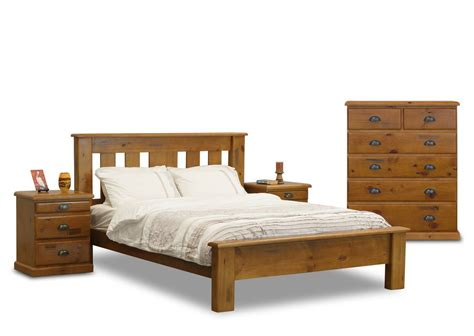Stockade Bedroom Set (4 Piece)