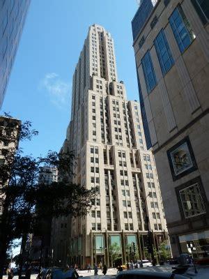 vince vaughn lists chicago penthouse   million