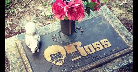 Grave Marker- Bob Ross, Joy Of Painting Host, Artist. Ross