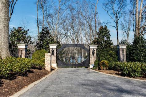 Clarkson House by Clarkson S Home In Tennessee That She S Selling For