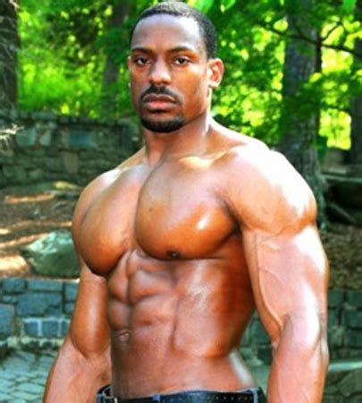 Big, Strong Men With Rippling Muscle | ManPlay.com
