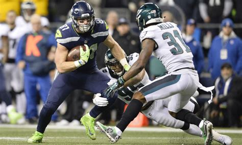time  seahawks tight  nick vannett  step