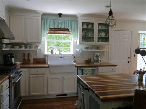 Ranch Home  Design Kitchenden Makeover Farmhouse