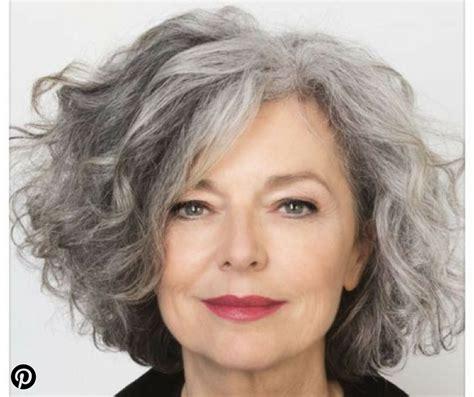Coiffure a 65 ans votre nouveau blog élégant à la coupe de cheveux. Coupe De Cheveux Femme 65 Ans Et Plus | Coiffures Cheveux Longs