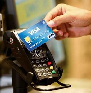 Kreditkarte Online Bezahlen : mobile payment per karte kontaktloses bezahlen ~ Buech-reservation.com Haus und Dekorationen