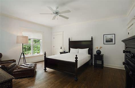 ways  transform bedrooms   empty nest
