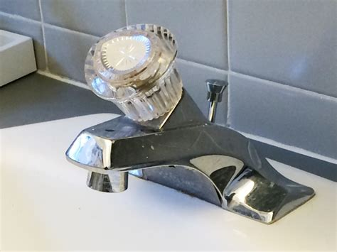 how to stop a dripping sink tiny more than cover how to stop the bathtub faucet from