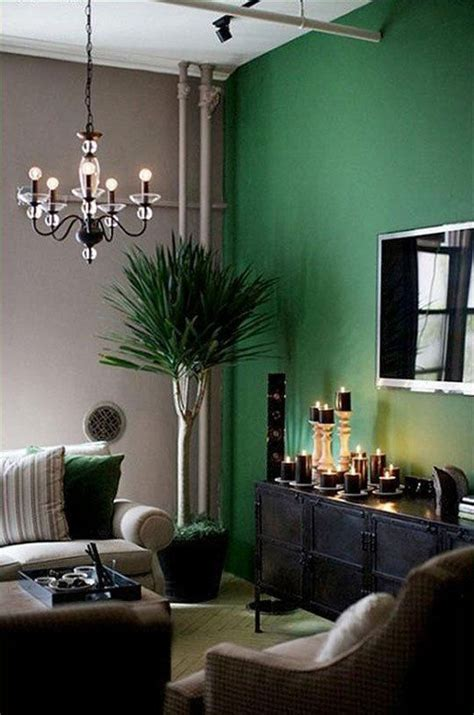 green  blackwhite room