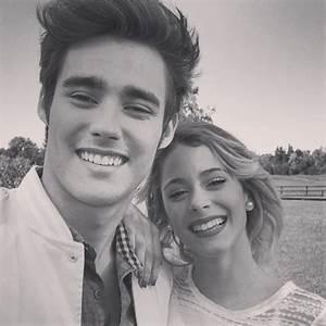 VIOLETTA Musikvideo - Te Creo - Violetta & Tomas Duett