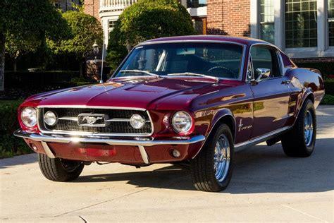Classic Ford Mustang Vs Chevrolet Camaro