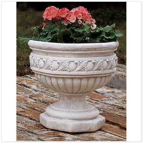 vasi esterno vasi esterno 5975639c fioriere da esterno vasi fioriere