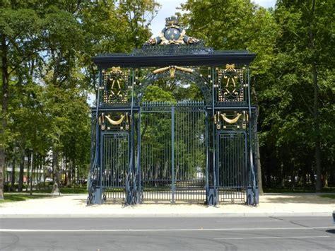 grille porte de reims