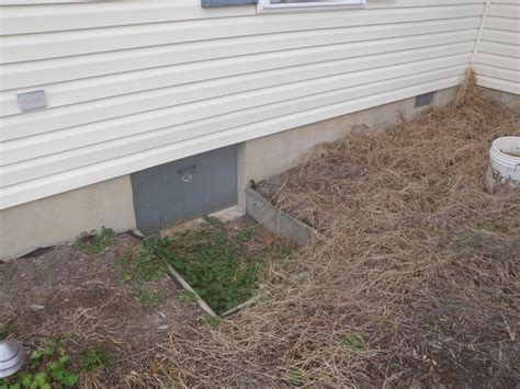 Crawl Space Repair   Crawlspace Entrances in DelMarVa