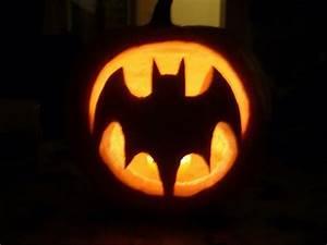 best 25 batman pumpkin stencil ideas on pinterest With batman pumpkin carving templates free