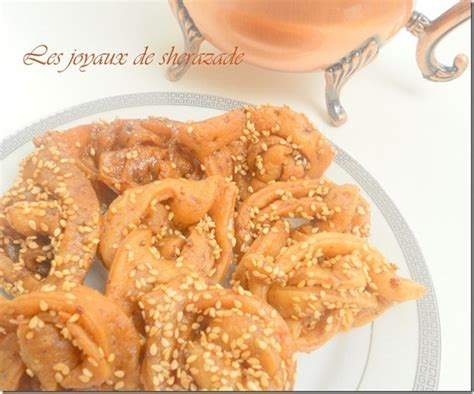 cuisine marocaine gateaux chebakiya griwech marocain les joyaux de sherazade