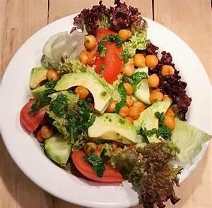 Salat Selber Anbauen : orientalischer salat mit kichererbsen und avocado ~ Markanthonyermac.com Haus und Dekorationen