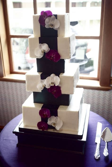 square wedding cakes   special day