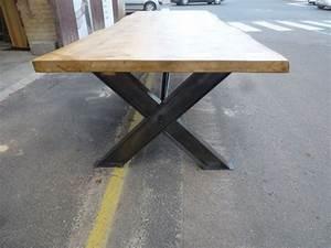 Pied De Table A Manger : table industrielle de salle manger pieds ipn en x plateau rable vendue robin sicle ~ Teatrodelosmanantiales.com Idées de Décoration
