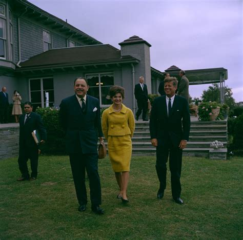 Kn C President John F Kennedy And First Lady