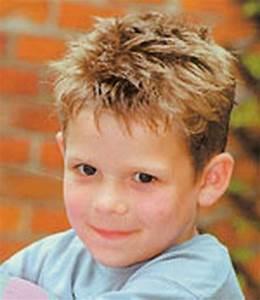 Coiffure Enfant Tresse : coiffure petit garcon ~ Melissatoandfro.com Idées de Décoration