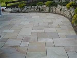 Fliesen Verlegemuster Programm : eine einladende terrasse mit travertin medium select platten jonastone mutti pinterest ~ Orissabook.com Haus und Dekorationen