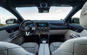 The further up the range you go, the classier the interior looks thanks. Mercedes GLA II (2020) im Test: das neue A-Klasse-SUV will hoch hinaus - MeinAuto.de