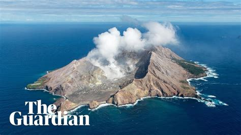 zealand volcano fatal eruption  white island youtube