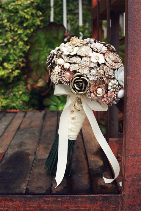 1000+ images about WEDDING/brooch bouquet on Pinterest