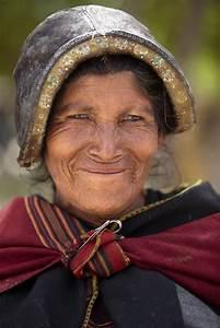 A woman at Tarabuco Market, Bolivia | II AMÉRICA LATINA ...