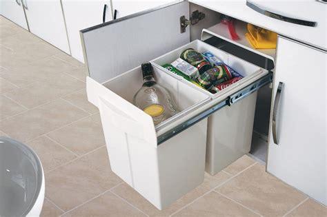poubelle de cuisine coulissante poubelle cuisine encastrable chaios com