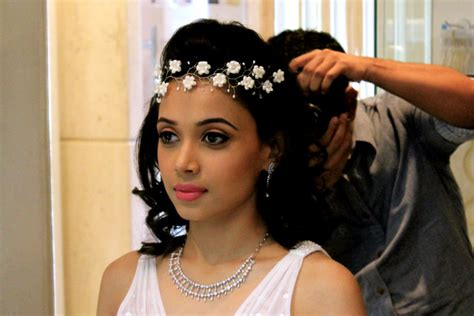 Wedding Accessories For Women :  Dream Bridal Hair Accessories For You
