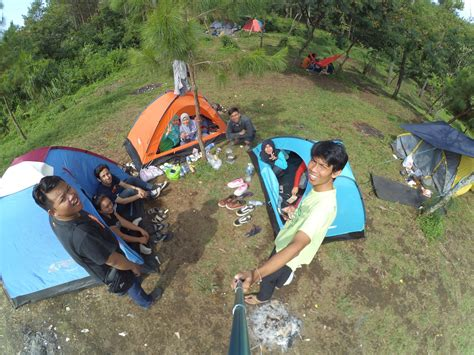 ipukan tempat camping asik  kaki ciremai pmtg adventure