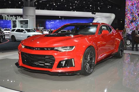 Camero New by New York 2016 Chevrolet Camaro Zl1 Coupe And Convertible