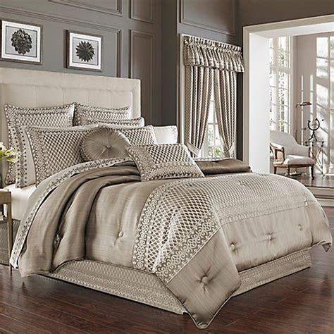 how to choose bedding for the guest bedroom must be carefully thought about so as not to clash colors if the walls in the bedroom are painted a pale j york bohemia comforter set in chagne bed