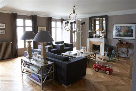 canapé chesterfield occasion flamant meubles photo 2 5 un exemple de pièce décorée