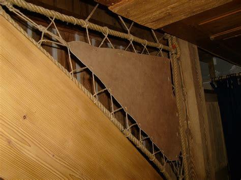 re escalier en corde gardes du corps peaux