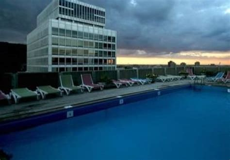 hotels in le mo hotels in montreal canada with rooftop pools